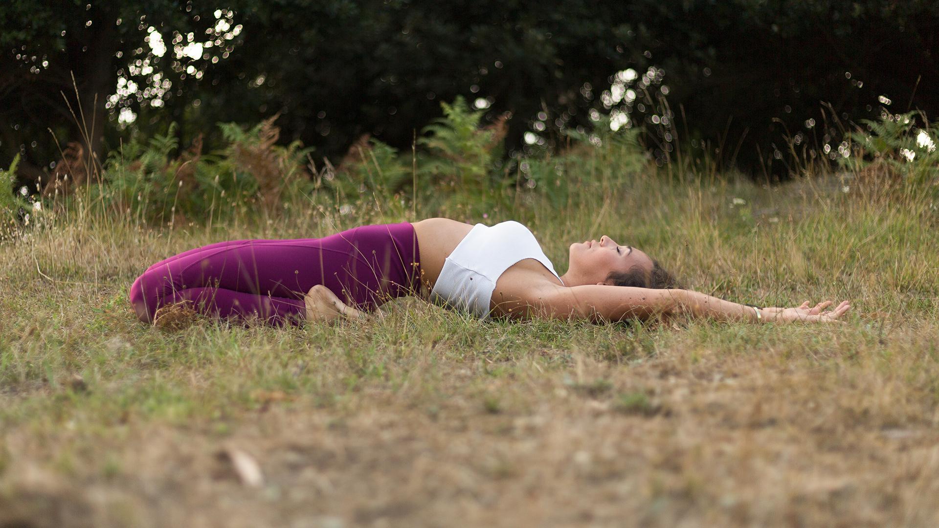 lezione di yoga in presenza